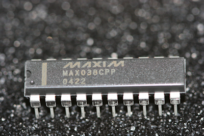 Max038