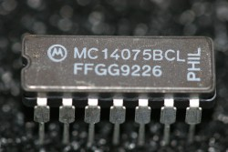 MC14075BCL Motorola Tripple 3-Input OR Gate