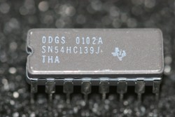 SN54HC139J Texas Instruments Dual 2 to 4 Line Decoder / Demultiplexer