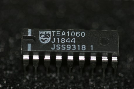 TEA1060 Philips Versatile Telephone Transmission Circuits with Dialler Interface