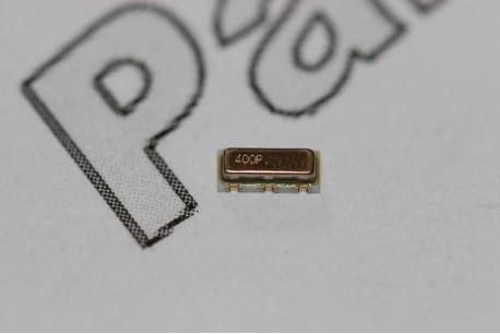 CSTCR4M00G53A-R0 Murata 4MHz Ceramic Resonator SMD