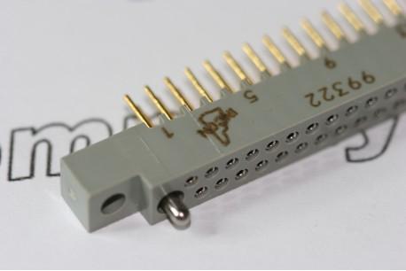 FDR6733-100-09 Incon 100 way Straight Socket .100 Series